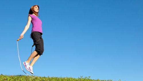 Nhảy dây cũng giúp làm giảm bắp chân to